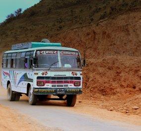 Τραγωδία στο Νεπάλ: Τουλάχιστον 30 νεκροί σε τροχαίο με λεωφορείο  - Κυρίως Φωτογραφία - Gallery - Video