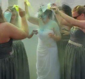 Ο γαμπρός το 'σκασε πριν το γάμο & να πως έκανε το νυφικό της η κοπέλα μαζί με τις φίλες της - Κυρίως Φωτογραφία - Gallery - Video