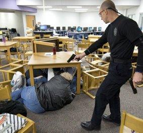 Βίντεο: Μαθητές στην Αμερική διδάσκονται πως να αντιμετωπίσουν μία ένοπλη επίθεση στο σχολείο τους - Κυρίως Φωτογραφία - Gallery - Video