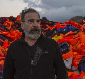 """Ο Σαούλ του «Homeland» σώζει ανθρώπινες ζωές στη Λέσβο - Συγκλονίζουν οι φωτογραφίες με τον δημοφιλή πρωταγωνιστή στον """"ρόλο"""" του ανθρώπου - Κυρίως Φωτογραφία - Gallery - Video"""