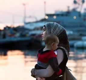 «Πρόσφυγες», η λέξη της χρονιάς για το 2015 - je suis Charlie & το «Grexit» στην τρίτη θέση - Κυρίως Φωτογραφία - Gallery - Video