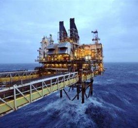 Συναγερμός στη Βόρεια Θάλασσα: Γιγάντιαπλατφόρμα εκτός ελέγχου πλησιάζει σε εξέδρες άντλησης πετρελαίου σε απίστευτη κακοκαιρία  - Κυρίως Φωτογραφία - Gallery - Video