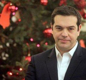 Σε εορταστικό κλίμα το Μαξίμου: Πρωτοχρονιάτικα κάλαντα στην πολιτειακή και πολιτική ηγεσία - Κυρίως Φωτογραφία - Gallery - Video