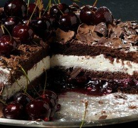 Η διάσημη γερμανική τούρτα με κεράσια Black Forest από τον εκλεκτό Στέλιο Παρλιάρο - Κυρίως Φωτογραφία - Gallery - Video