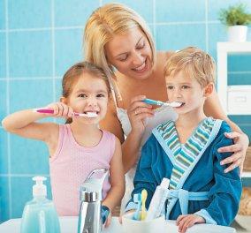 Πώς πρέπει να πλένουμε τα δόντια μας; Κάθετα ή οριζόντια; Η σωστή απάντηση θα σας εκπλήξει! - Κυρίως Φωτογραφία - Gallery - Video
