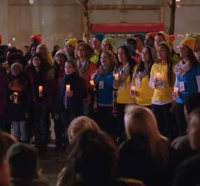 Χριστούγεννα! Ιστορικό διαφημιστικό με τους κολοσσούς της τεχνολογίας Μicrosoft & Apple μαζί - Επί γης Ειρήνη    - Κυρίως Φωτογραφία - Gallery - Video