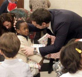 Χριστουγεννιάτικα κάλαντα και ευχές στην πολιτειακή & πολιτική ηγεσία - Κυρίως Φωτογραφία - Gallery - Video