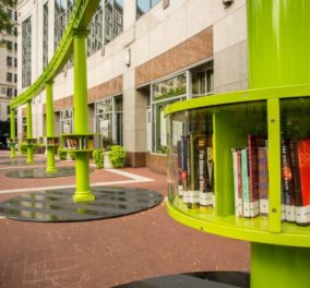 Υπέροχες υπαίθριες βιβλιοθήκες κλέβουν τα βλέμματα στην Ινδιανάπολη - Όλη η πόλη γέμισε δημιουργίες καλλιτεχνών - Κυρίως Φωτογραφία - Gallery - Video