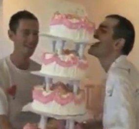 Βίντεο - smile: Μετέφεραν την πολυόροφη γαμήλια τούρτα και.... πάρτην κάτω  - Κυρίως Φωτογραφία - Gallery - Video
