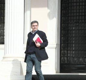 Το ρεσιτάλ Τσακαλώτου στη Βουλή (βίντεο) όλα τα λεφτά: Έδωσε νούμερα του Τζόκερ, έκανε λογοπαίγνια   - Κυρίως Φωτογραφία - Gallery - Video