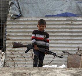 11χρονος Ιρακινός αποκαλύπτει πώς εκπαιδεύουν τα παιδιά οι τζιχαντιστές: Μας απογόρευαν να κλάψουμε & αν κάποιος δραπέτευε του έσπαγαν τα πόδια  - Κυρίως Φωτογραφία - Gallery - Video