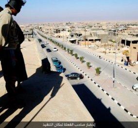 """Ω τι κόσμος μπαμπά! Καρέ - καρέ ρίχνουν οι ISIS έναν gay από ψηλό κτίριο & τον """"τελειώνουν """" (φωτό) - Κυρίως Φωτογραφία - Gallery - Video"""