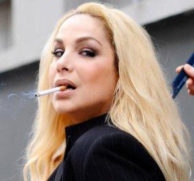 """Σεξ, κοκαΐνη & διαστροφές διάσημων πελατών: Όλη η """"Μαύρη Βίβλος"""" της Τζένης Χειλουδάκη σε επανέκδοση που θα κάψει κόσμο - Κυρίως Φωτογραφία - Gallery - Video"""