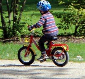 Story of the day: Μικρός ήρωας ο 5χρονος που έσωσε τον πατέρα του, καβαλώντας το ποδήλατο για να ειδοποιήσει τη μητέρα του - Κυρίως Φωτογραφία - Gallery - Video