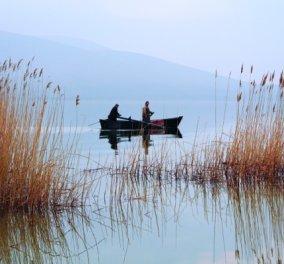 Ο υδάτινος κόσμος της Φλώρινας: Θα σας μαγέψουν οι 4 λίμνες με τα πετρόκτιστα χωριά & τους αμπελώνες  - Κυρίως Φωτογραφία - Gallery - Video