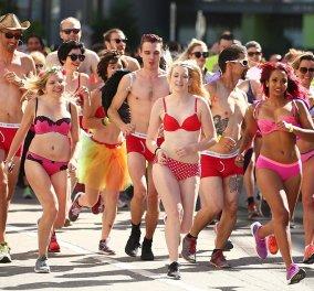 Χαμός! Έτρεξαν οι γυναίκες με τα κόκκινα εσώρουχα τους & οι άντρες με κόκκινες γόβες - στιλέτο - Που & γιατί   - Κυρίως Φωτογραφία - Gallery - Video
