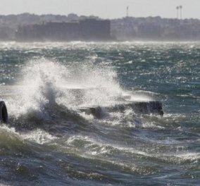 Απαγόρευση απόπλου από Πειραιά, Ραφήνα και Λαύριο: Οι άνεμοι φτάνουν τα 9 μποφόρ - Κυρίως Φωτογραφία - Gallery - Video