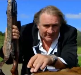 Ζεράρ Ντεπαρντιέ: Σάλος για το βίντεο του με σκοτωμένο ελάφι - Έτσι διαφημίζει ρολόι - Κυρίως Φωτογραφία - Gallery - Video