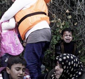 Τραγωδία χωρίς τέλος στη Χίο: Ζευγάρι Αφγανών έφτασε έχοντας αγκαλιά το νεκρό 4χρονο παιδί τους - Κυρίως Φωτογραφία - Gallery - Video