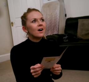 Βίντεο: Η αντίδραση νεαρής όταν μαθαίνει ότι θα γίνει θεία  - Πώς υποδέχτηκε το χαρμόσυνο νέο; - Κυρίως Φωτογραφία - Gallery - Video