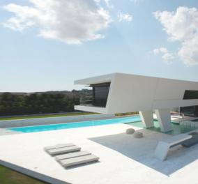 Το πιο ασυνήθιστο σπίτι στην Αττική βραβεύεται διεθνώς & προκαλεί αντιδράσεις: Είναι ή δεν είναι σε Ελληνικό έδαφος;   - Κυρίως Φωτογραφία - Gallery - Video