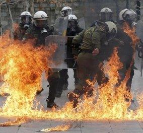 Πεδίο μάχης το Σύνταγμα: Δακρυγόνα, μολότοφ & συγκρούσεις αντιεξουσιαστών με τα ΜΑΤ - Κυρίως Φωτογραφία - Gallery - Video
