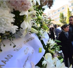 Πλήθος κόσμου αποχαιρετά τον Παντελή Παντελίδη - Συγκίνηση και λυποθυμίες έξω από τον Ιερό Ναό (Φωτό & Βίντεο) - Κυρίως Φωτογραφία - Gallery - Video