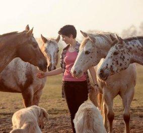 Story: Πώς η 24χρονη Wiebke άφησε την ''βαρετή'' δουλειά γραφείου & ακολούθησε το όνειρο της να γίνει φωτογράφος αλόγων - Κυρίως Φωτογραφία - Gallery - Video