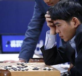 O υπολογιστής & η Google κέρδισαν για τρίτη φορά τον Νοτιοκορεάτη master του παιχνιδιού Γκο - Κυρίως Φωτογραφία - Gallery - Video