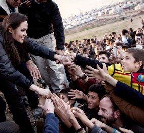 Ακυρώθηκε το σχέδιο πτήσης της Angelina Jolie για Λέσβο - Πότε φτάνει στην Ελλάδα; - Κυρίως Φωτογραφία - Gallery - Video