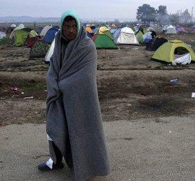 Story of the day: Τον Μουάγιαντ  τον χώρισε η θάλασσα & τον κρατούν μακριά από γυναίκα & παιδιά κλειστά σύνορα - Κυρίως Φωτογραφία - Gallery - Video