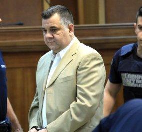 Αποφυλακίστηκε τελικά σήμερα ο Γιώργος Ρουπακιάς που σκότωσε τον Παύλο Φύσσα λόγω παρέλευσης του 36μηνου κράτησης - Κυρίως Φωτογραφία - Gallery - Video