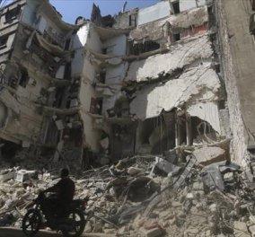 Ποια εκεχειρία; Τουλάχιστον 39 νεκροί από αεροπορικούς βομβαρδισμούς στη Ράκκα της Συρίας - Κυρίως Φωτογραφία - Gallery - Video