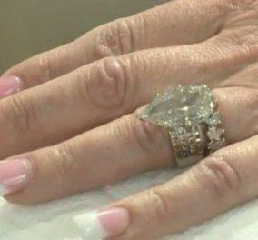 Diamonds are a girl's best friend: 50χρονη έψαξε σε 7 τόνους σκουπίδια για να βρει... το δαχτυλίδι του γάμου της! - Κυρίως Φωτογραφία - Gallery - Video