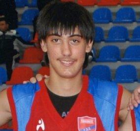 Απίστευτη εξέλιξη στη δολοφονία του Βαζακόπουλου στη Σαντορίνη - Συνελήφθη ο 21χρονος Βούλγαρος φίλος του   - Κυρίως Φωτογραφία - Gallery - Video