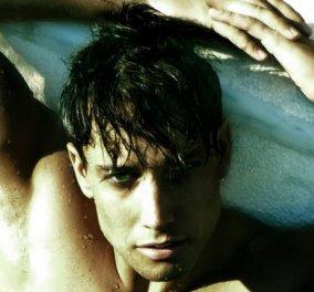 Γιώργος Καβακάκης: Αυτός είναι ο όμορφος νεαρός που ξετρέλανε την Άντζελα Δημητρίου στη διαφήμιση – Μπασκετμπολίστας, μανεκέν του Valentino και του Cavalli - Κυρίως Φωτογραφία - Gallery - Video