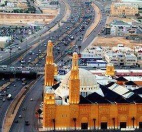 Βίντεο: Ο Σαουδάραβας πατέρας άφησε τον μικρό γιό του να οδηγεί με 111 μίλια την ώρα σε αυτοκινητόδρομο! - Κυρίως Φωτογραφία - Gallery - Video