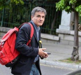 Κλείδωσε η συμφωνία Τσακαλώτου - κουαρτέτου: Συμφώνησαν για αύξηση του ΦΠΑ στο 24% - Επιμένουν για αφορολόγητο στα 8.182 ευρώ! - Κυρίως Φωτογραφία - Gallery - Video