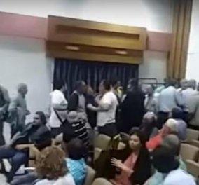"""Ένταση σε ομιλία του Γ. Κατρούγκαλου στην Καλαμάτα: """"Έβγαλαν σηκωτό"""" πολίτη που πήρε τον λόγο για να διαμαρτυρηθεί  - Κυρίως Φωτογραφία - Gallery - Video"""