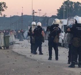 Ένταση & χημικά στην Ειδομένη: Σοβαρές συγκρούσεις προσφύγων με αστυνομικούς - Κυρίως Φωτογραφία - Gallery - Video