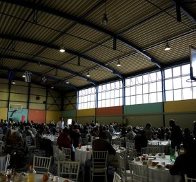 Good News: Πασχαλινά γεύματα αγάπης για πάνω από 1000 άπορους προσέφεραν οι Δήμοι της Αθήνας και της Θεσσαλονίκης (φωτό) - Κυρίως Φωτογραφία - Gallery - Video