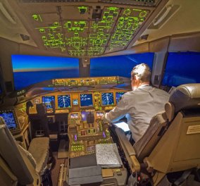 Πιλότος φωτογραφίζει φωτισμένες πόλεις το βράδυ: Ντουμπάι, Μπανγκόκ, Τόκιο και Νέα Υόρκη  σε απίθανα κλικς - Κυρίως Φωτογραφία - Gallery - Video