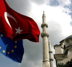 «Η Τουρκία θα γυρίσει την πλάτη στη συμφωνία για τους πρόσφυγες», προειδοποιεί ο Τσαβούσογλου - Κυρίως Φωτογραφία - Gallery - Video