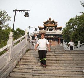 Story of the day: Έχασε 30 κιλά με περπάτημα έχοντας μια πέτρα βάρους 40 κιλών στο κεφάλι του   - Κυρίως Φωτογραφία - Gallery - Video