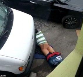 Βίντεο για γέλια και για... κλάματα: Άντρας κάνει έρωτα με το πεζοδρόμιο & γίνεται viral  - Κυρίως Φωτογραφία - Gallery - Video