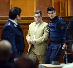 Υποχρεωτικά παρόντες & οι 18 κατηγορούμενοι στην δίκη για την δολοφονία του Παύλου Φύσσα - Κυρίως Φωτογραφία - Gallery - Video