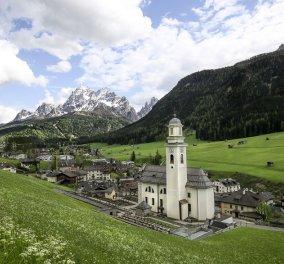 Η απόκοσμη ομορφιά παρεκκλησίων & ναών χτισμένα πάνω σε βράχια - Υπέροχα κλικς - Κυρίως Φωτογραφία - Gallery - Video