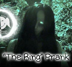 Απίθανη φάρσα! Το κοριτσάκι από το Ring τρομάζει τους Αθηναίους - Δείτε το βίντεο - Κυρίως Φωτογραφία - Gallery - Video