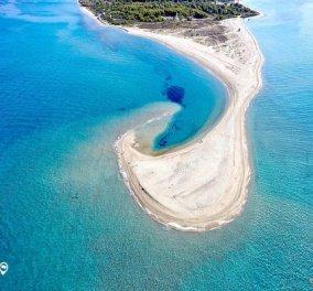 Ακρωτήρι από άμμο λένε το Ποσείδι και όχι αδίκως - Απολαύστε το από ψηλά!  - Κυρίως Φωτογραφία - Gallery - Video