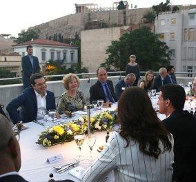 Το δείπνο στον Μανουέλ Βαλς στην βεράντα του Μουσείου της Ακρόπολης - Φώτο   - Κυρίως Φωτογραφία - Gallery - Video